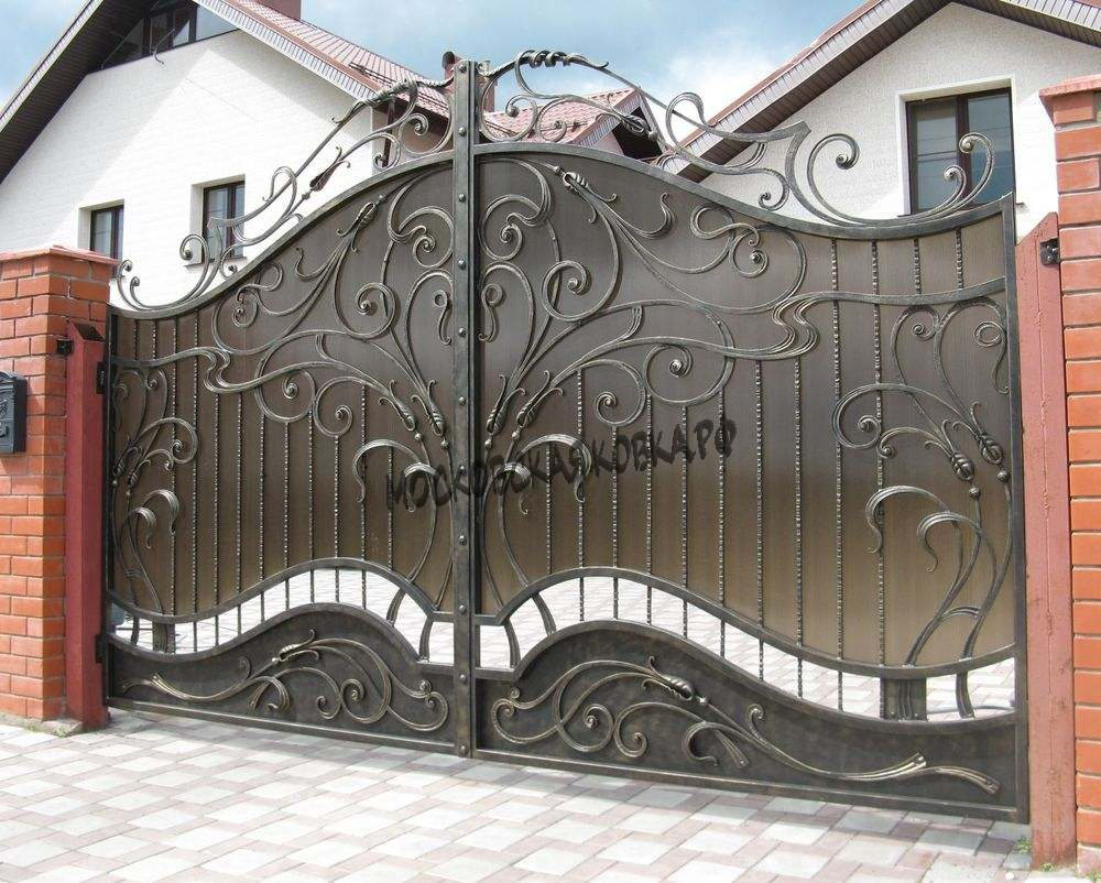 Кованые ворота и калитка с поликарбонатом Артикул КВ-066