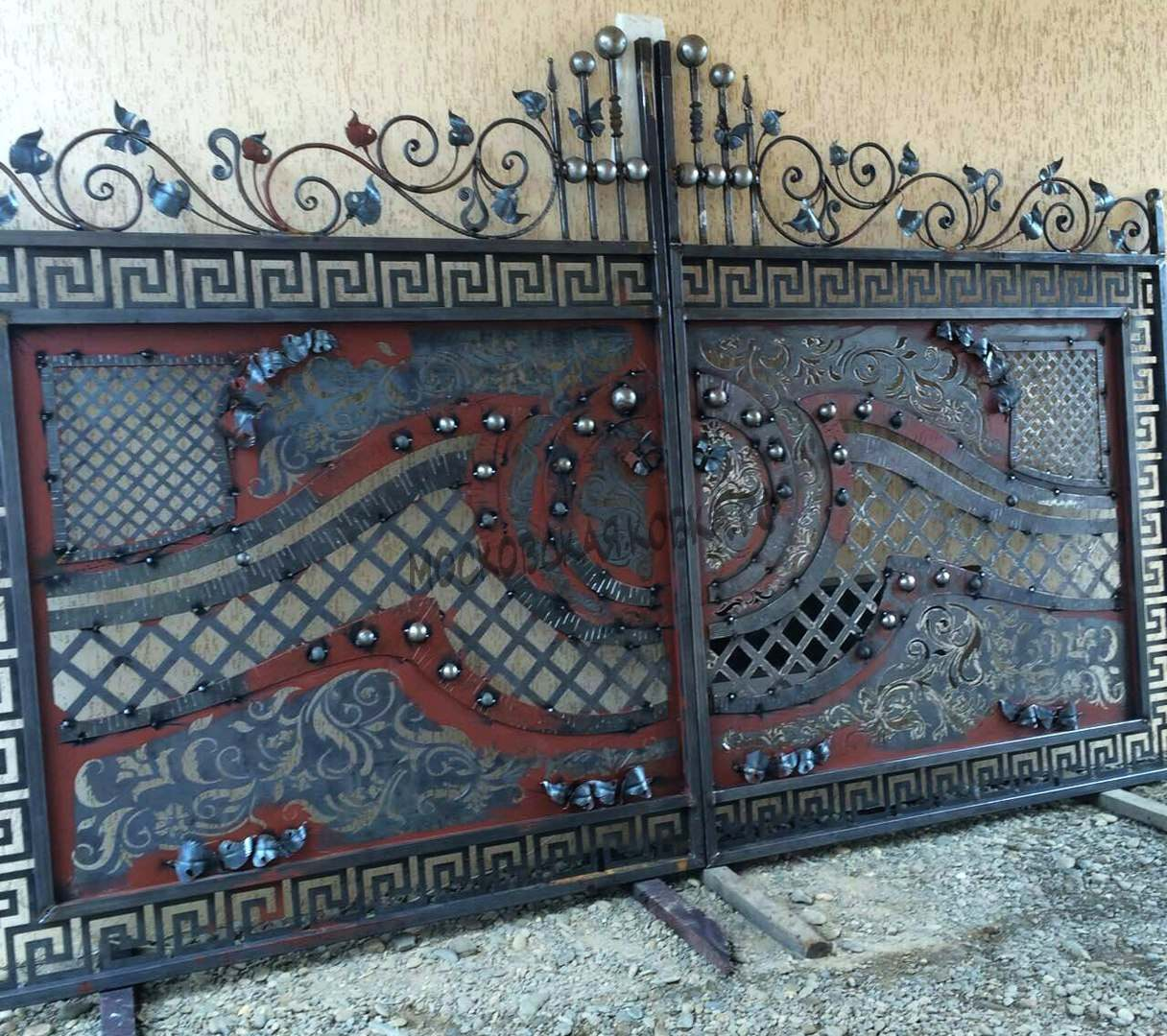 Шикарные кованые ворота