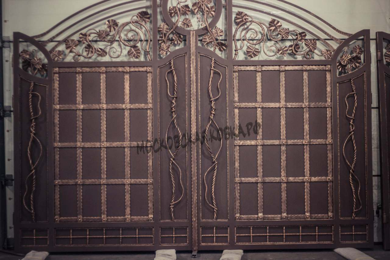 Большие кованые ворота Артикул КВ-043