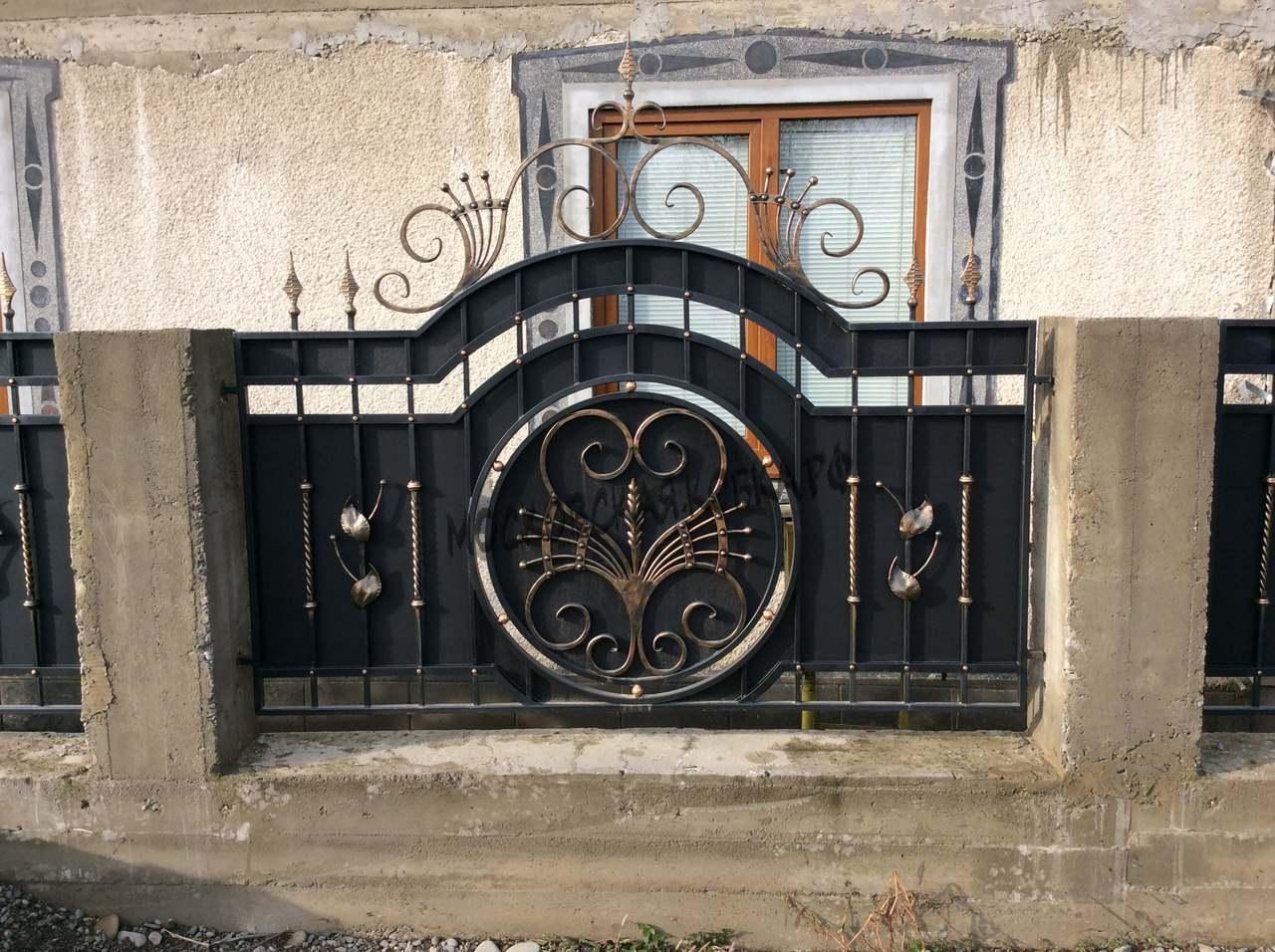 Кованый забор с металлическим листом Артикул № КЗ-033