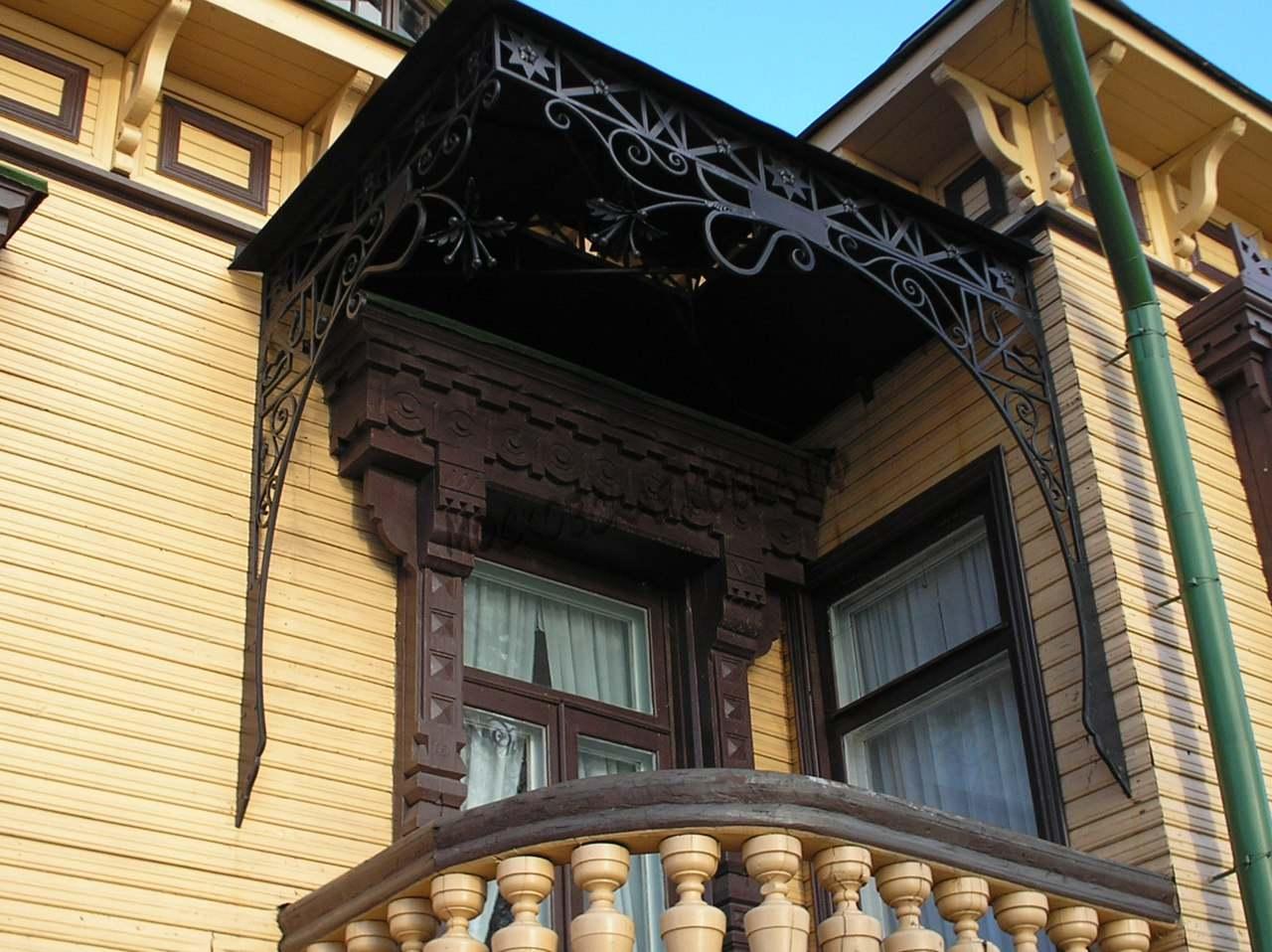 Кованый козырек над балконом Артикул № 016