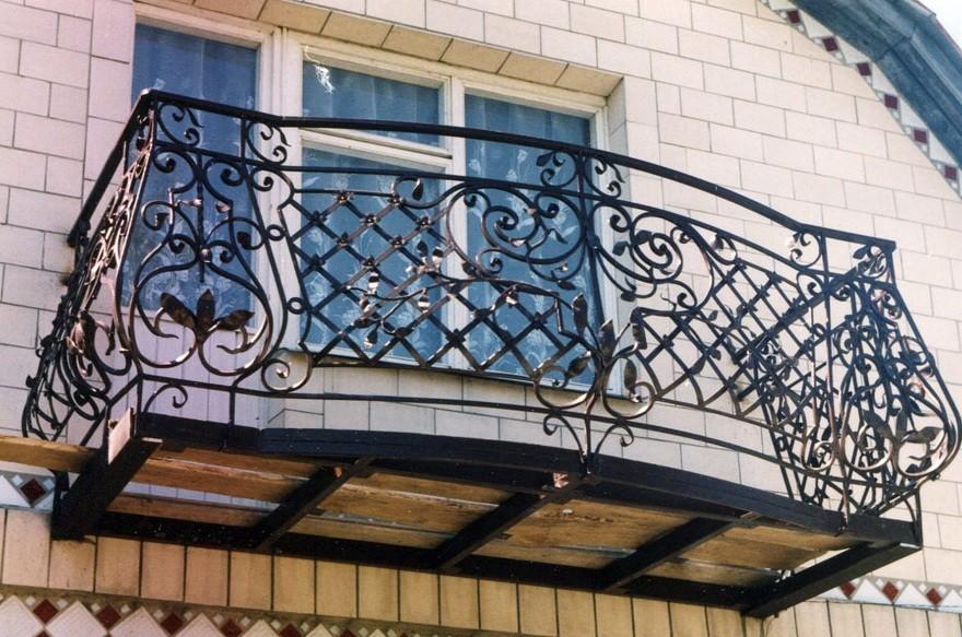 Кованое ограждение балкона АРТИКУЛ КБ 001
