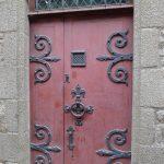 Художественная ковка на входных дверях