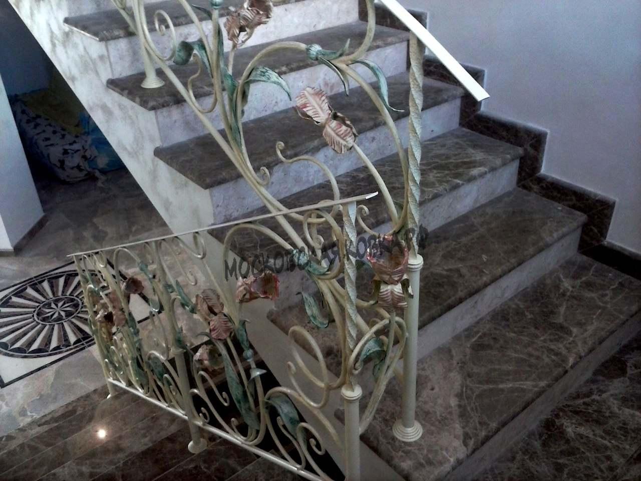 Кованые перила с цветами АРТИКУЛ КП 059