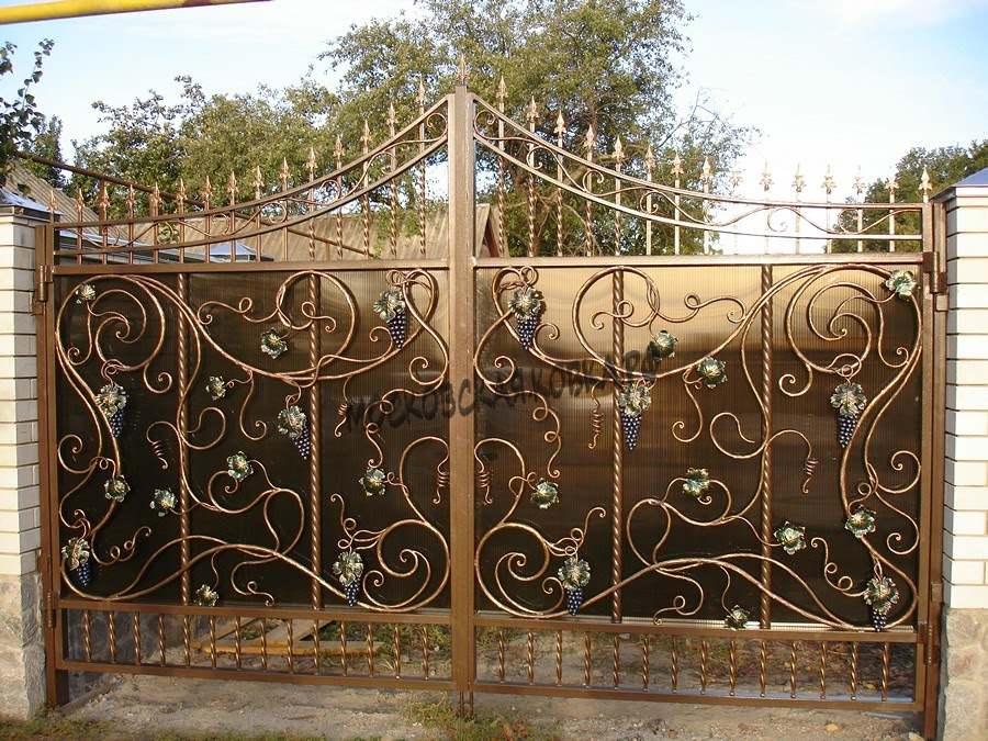 Кованые ворота с поликарбонатом Артикул КВ- 006