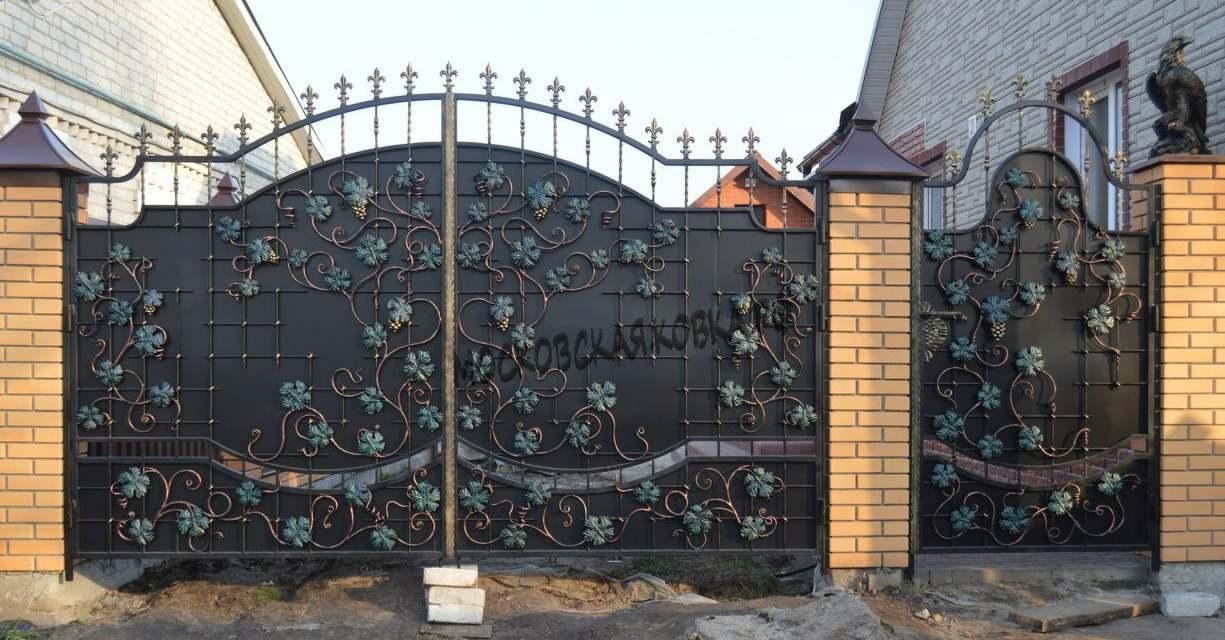Кованые ворота с виноградной лозой Артикул КВ-061