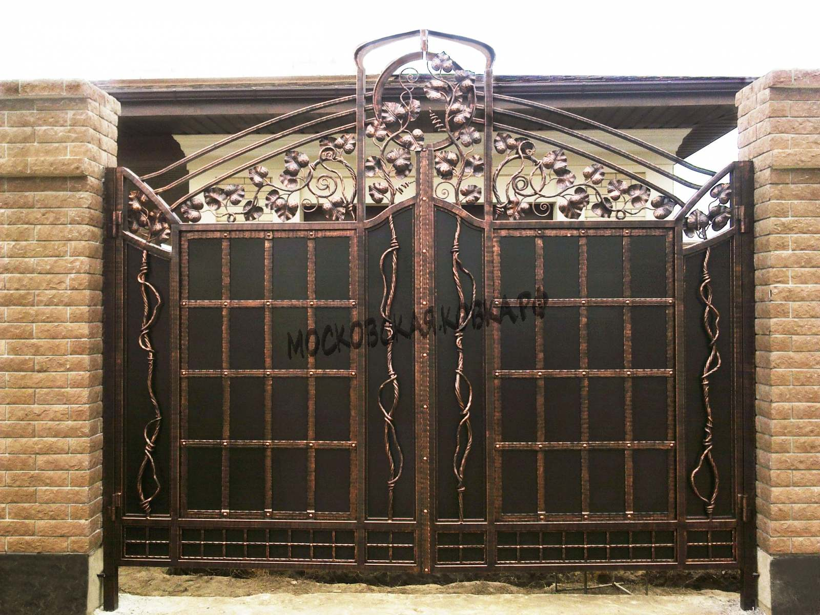 Кованые металлические ворота Артикул КВ-027