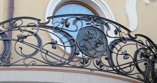 Эксклюзивное кованое ограждение балкона АРТИКУЛ КБ 003