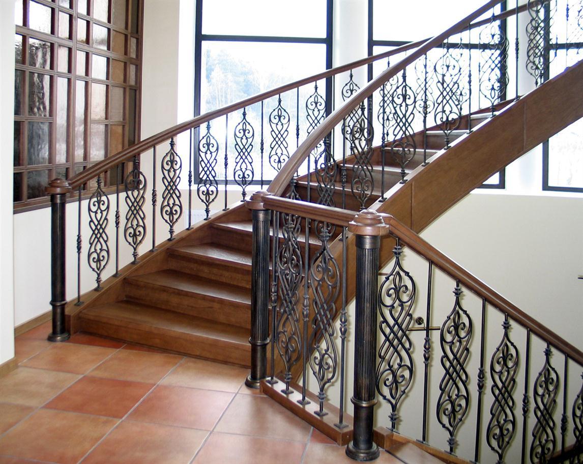 Кованые перила для лестницы из балясин АРТИКУЛ КП 049