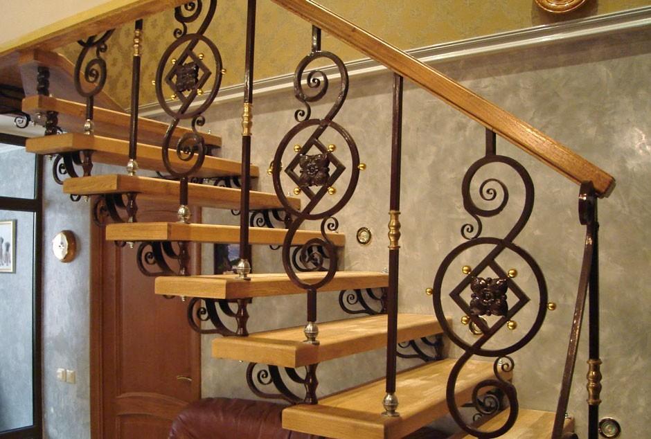 Перила для лестницы из кованых балясин АРТИКУЛ КП 024