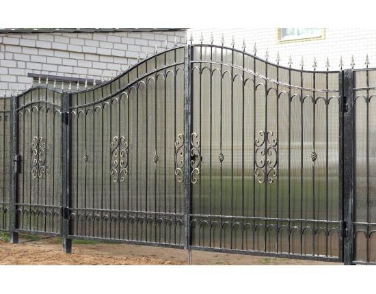 Бюджетные кованые ворота с поликарбонатом Артикул КВ- 003
