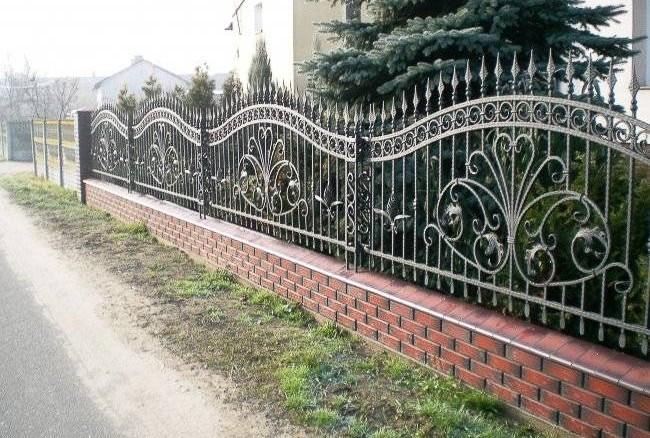 Кованые секции забора с пиками Артикул № КЗ-022