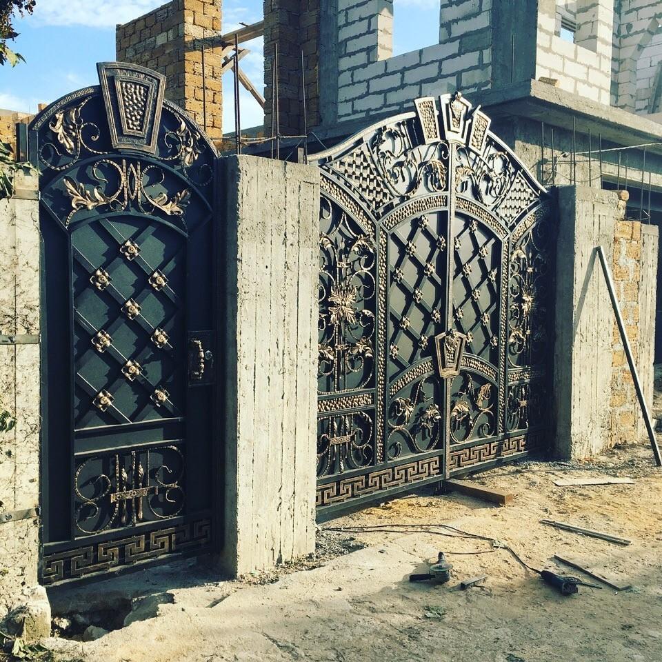 Дизайнерские кованые ворота и калитка Артикул КВ-067