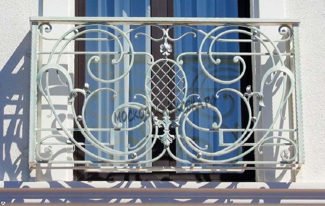 Французский кованый балкончик белого цвета АРТИКУЛ КБ 048