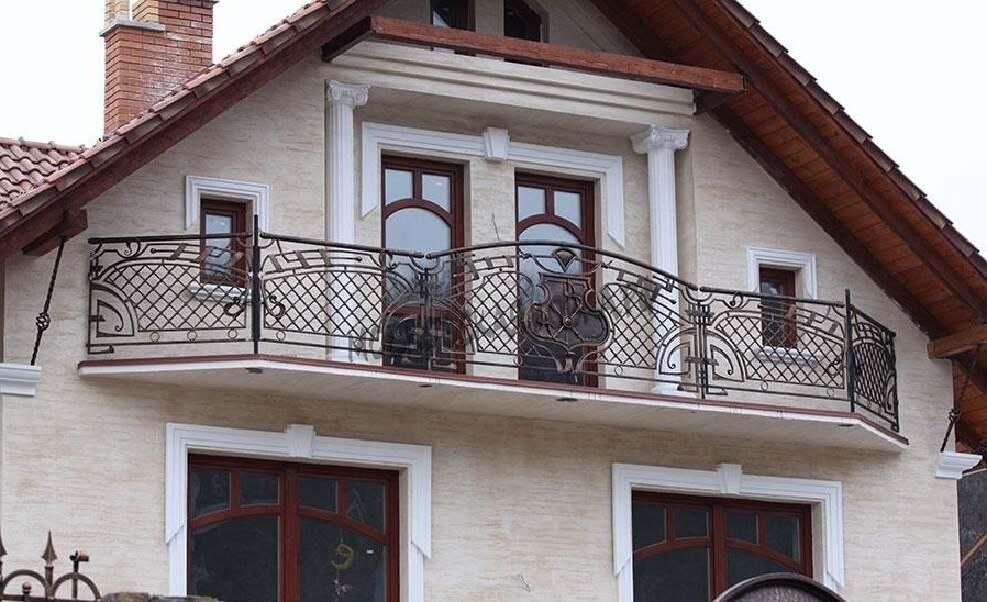 Кованые ограждения для для большого балкона АРТИКУЛ КБ 061