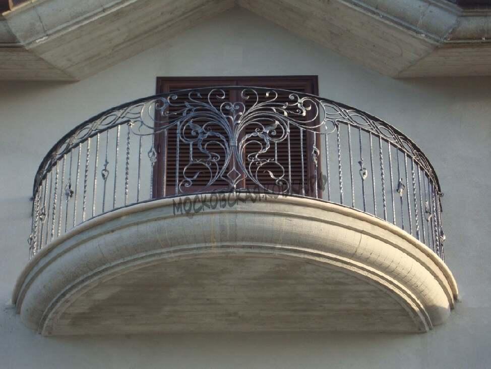 Кованое ограждение бетонного балкона АРТИКУЛ КБ 062