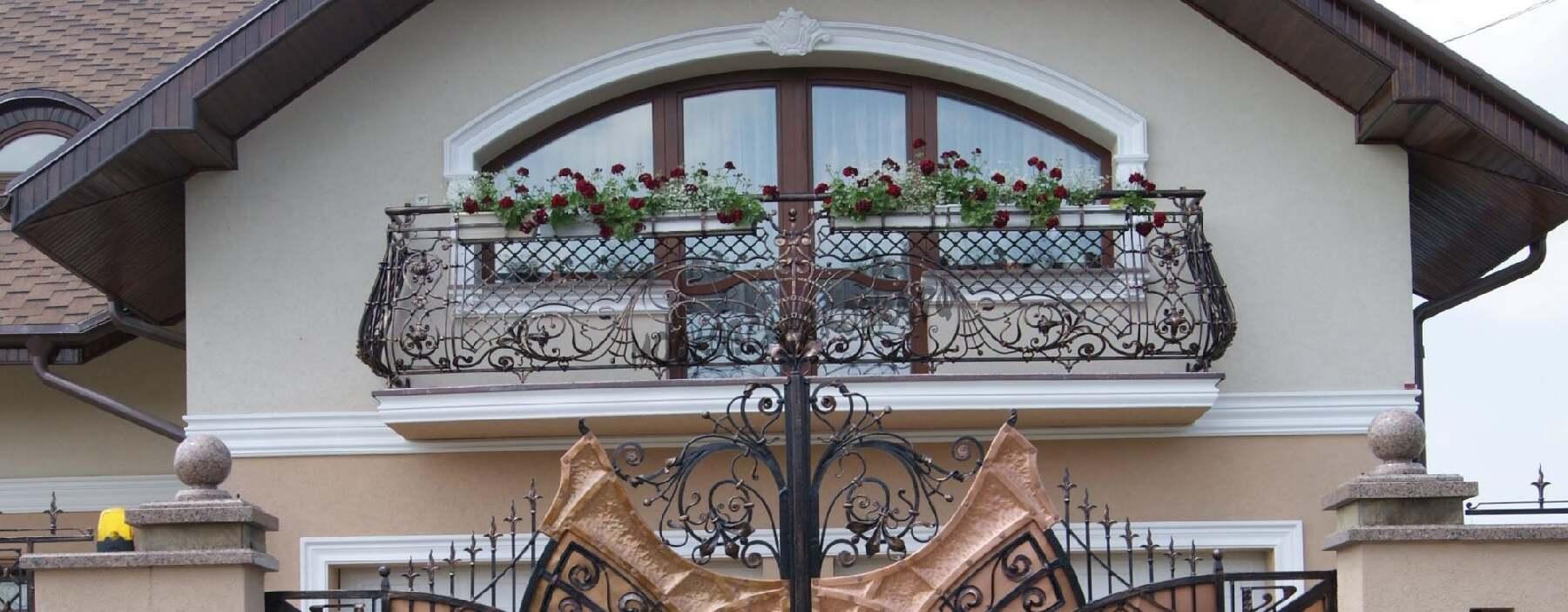 Престижные кованые ограждения с цветочницами АРТИКУЛ КБ 075