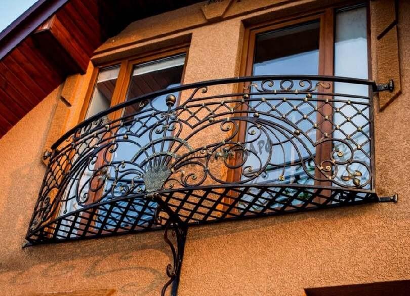 Кованый балкон с ограждением АРТИКУЛ КБ 039