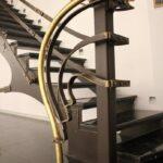 Кованая лестница с заклепками