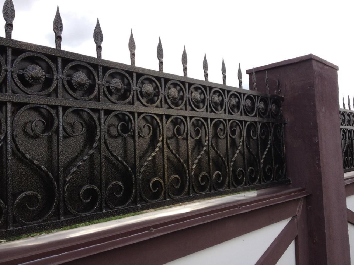 Кованое навершие на забор закрытого типа Артикул № КЗ-076