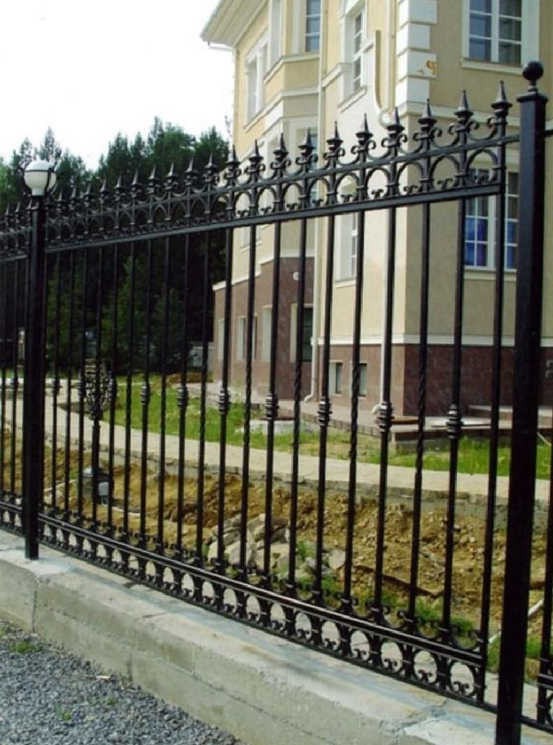 Забор кованый с пиками и кольцами Артикул № КЗ-063