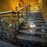 Кованая прямая лестница