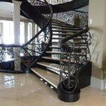 Кованая спиральная лестница