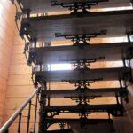 Авторская кованая лестница (5)