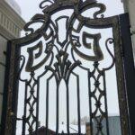 Кованые откатные ворота с калиткой (2)