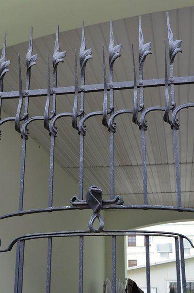 Кованый забор в готическом стиле (3)