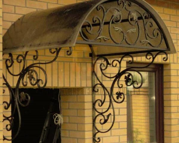 Кованый арочный козырек над входом Артикул № 038