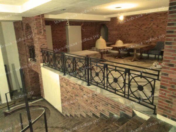 Металлическое ограждение балкона кафе АРТИКУЛ КБ 088