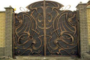 Кованые ворота с золотой патиной (1)