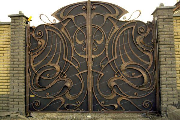 Кованые распашные ворота с золотой патиной Артикул КВ-069