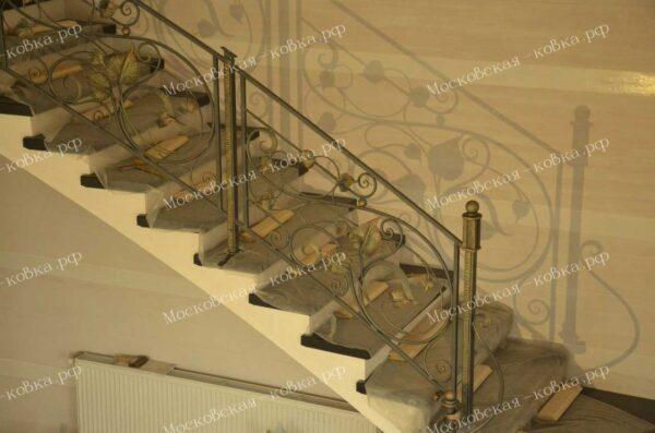 Кованые лестничные перила с золотой патиной АРТИКУЛ КП 250