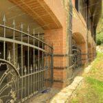 Кованый забор для загородного дома Артикул № КЗ-080