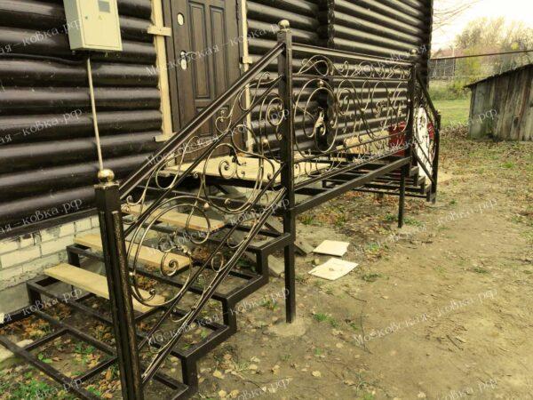 Ограждения кованые для крыльца и лестницы в доме АРТИКУЛ КБ 084