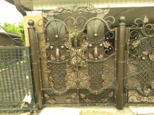 Двухстворчатые кованые ворота (4)