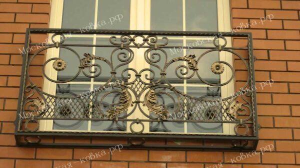 Кованые решетки на окна «Французский балкончик»  Артикул КР-013