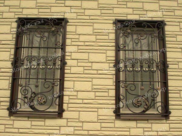 Кованые решетки на окна Артикул КР-004