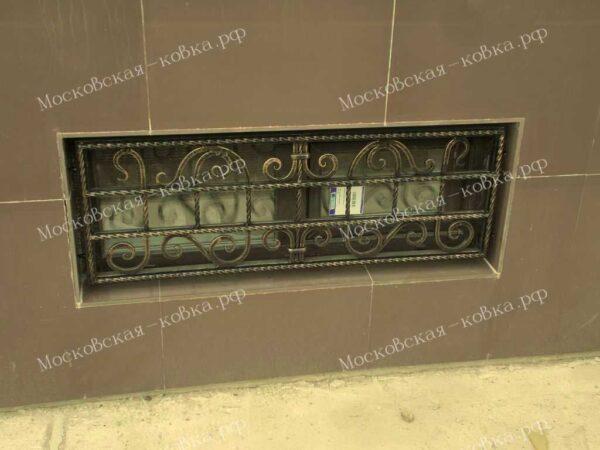 Кованая решетка цокольного окна Артикул КР-009