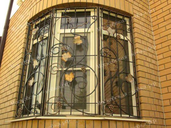 Кованая решетка на угловое окно Артикул КР-017
