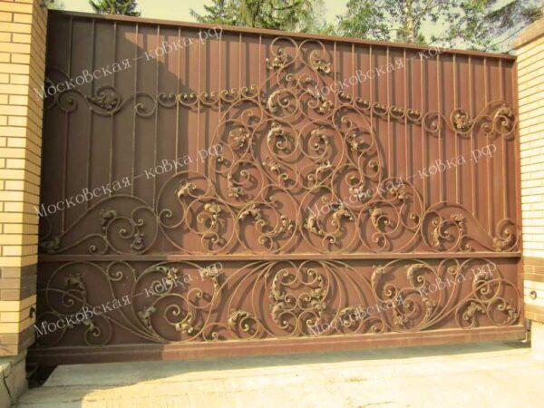 Кованые откатные ворота цвета шоколад с золотой патиной Артикул КВ-080