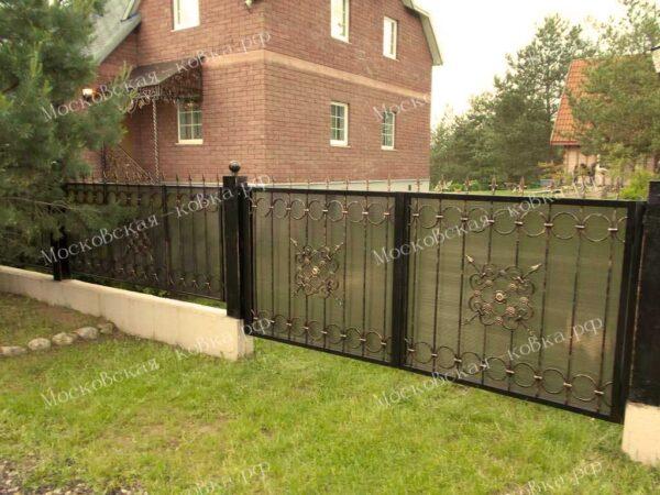 Кованые ворота и забор с поликарбонатом Артикул КВ-091