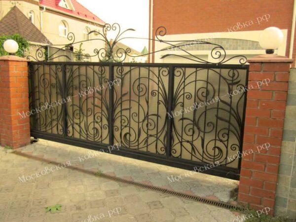 Кованые откатные ворота с поликарбонатом Артикул КВ-082