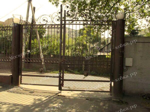 Легкие дачные кованые ворота
