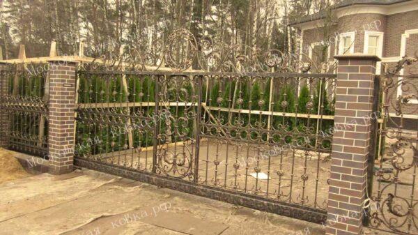Метровые кованые откатные ворота Артикул КВ-112