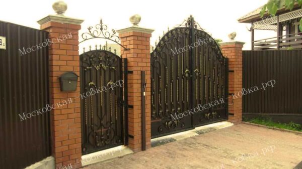 Кованые ворота с калиткой Артикул КВ-116