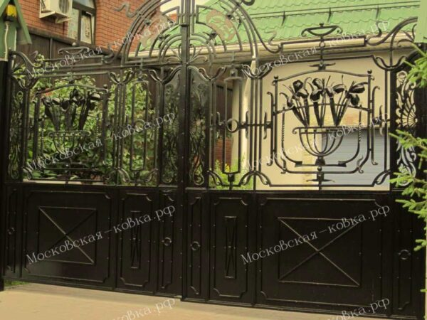 Кованые распашные ворота черного цвета Артикул КВ-086