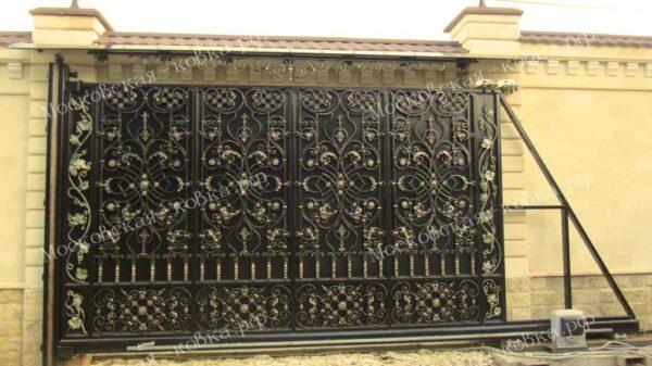 Кованые откатные ворота с козырьком Артикул КВ-119